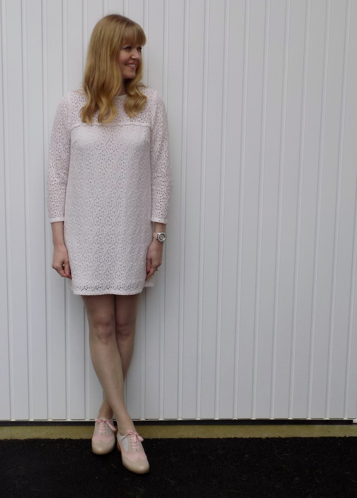 what-lizzy-loves-pink-brogues-cream-lace-dress