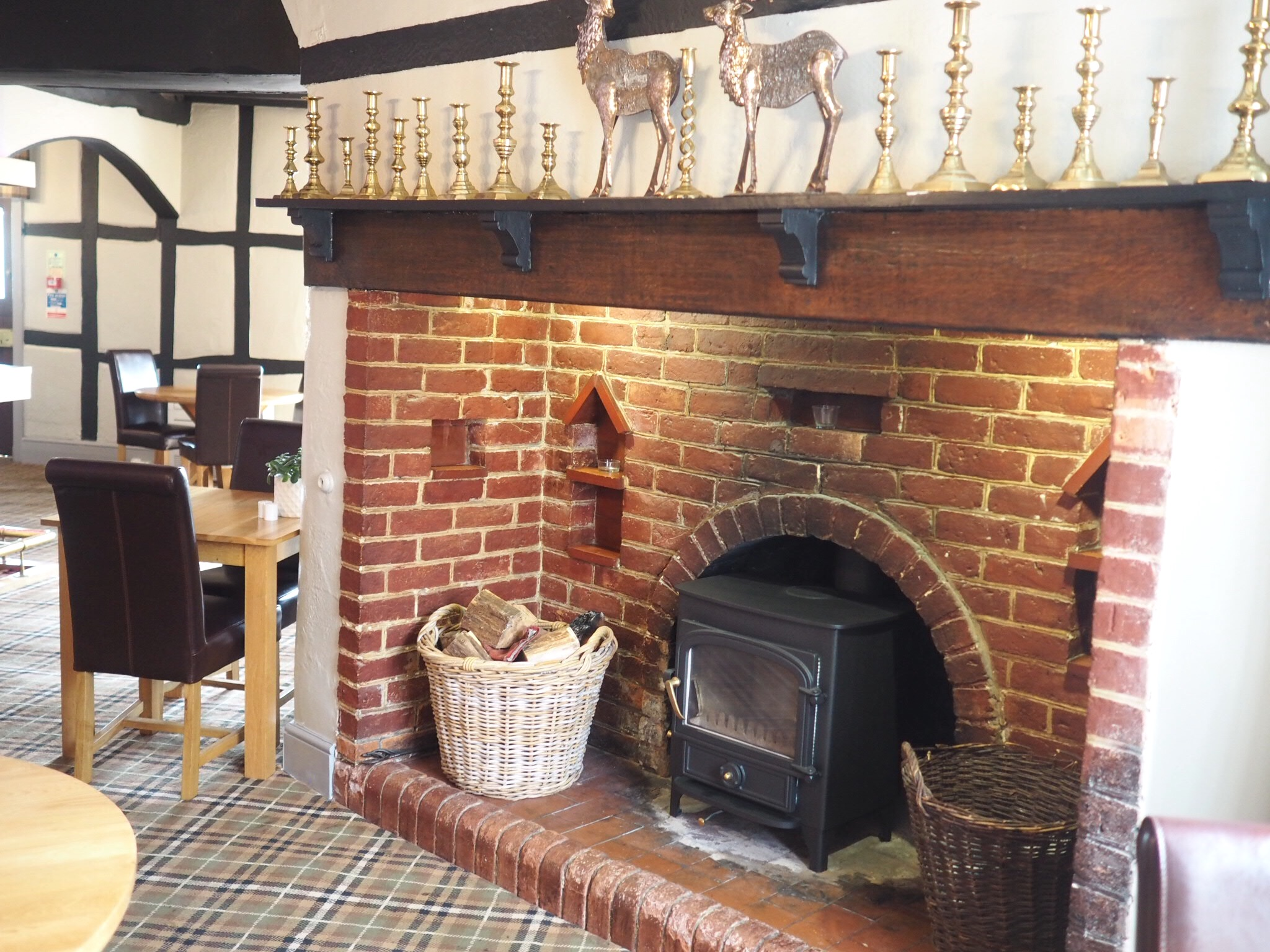 What-LizzyLoves-Bank-House-Hotel-spa-review-Worcester-bar-fire