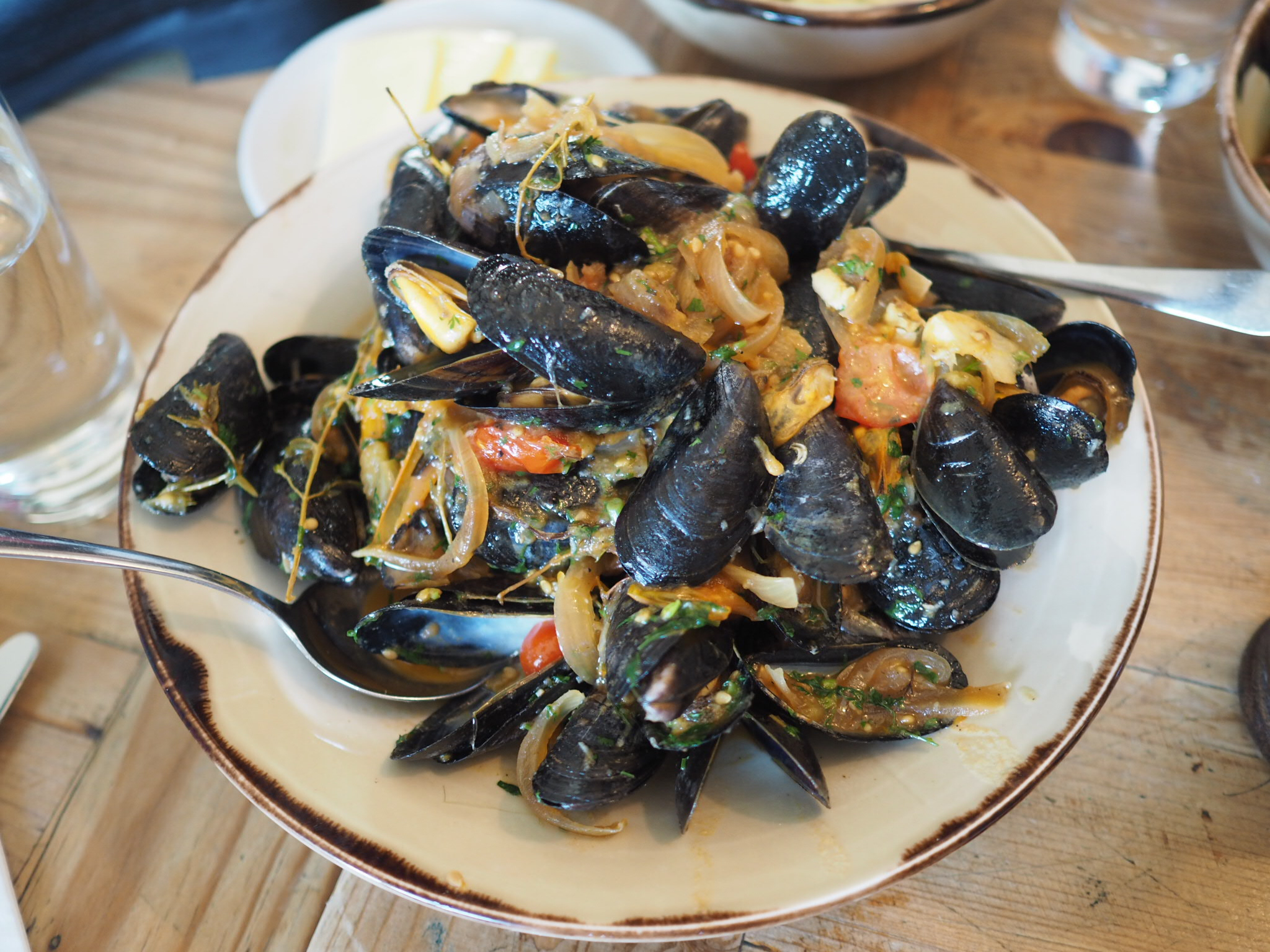 what-Lizzy-Loves-River-Cottage-lunch-mussels