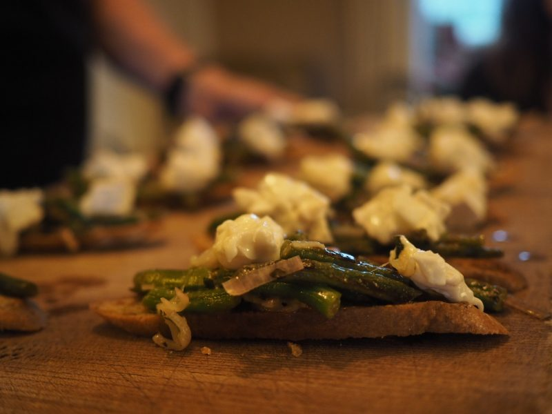 what-lizzy-loves-River-Cottage-dining-room-canapes