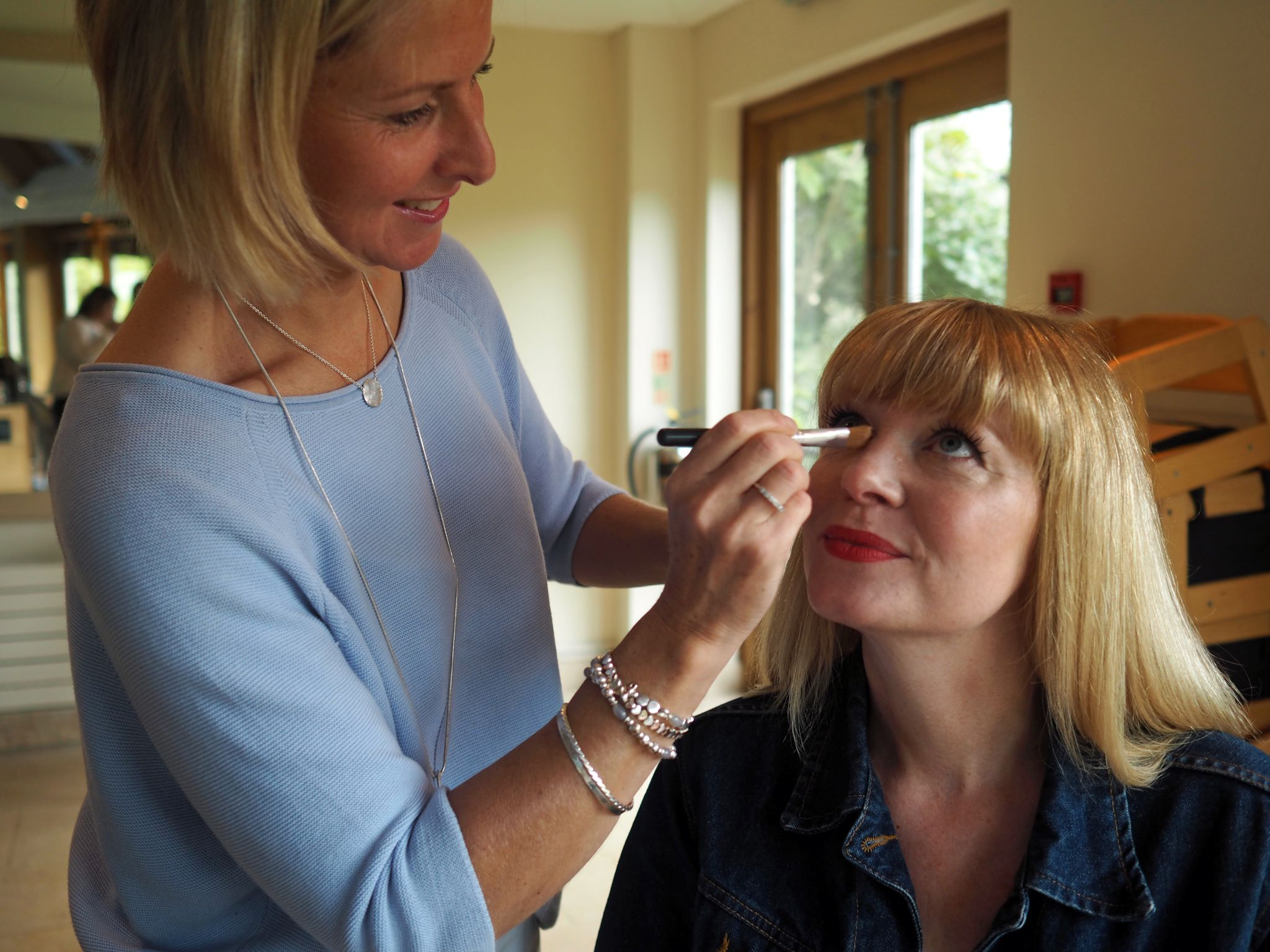 what-lizzy-loves-photo-shoot-bettys-harlow-carr-harrogate-make-up-artist