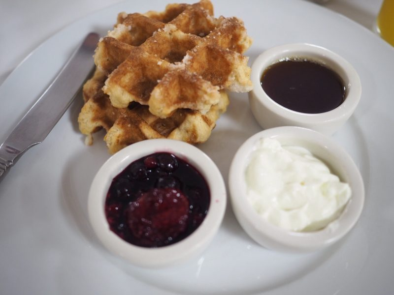 what lizzy lobes Bank house hotel review breakfast waffles