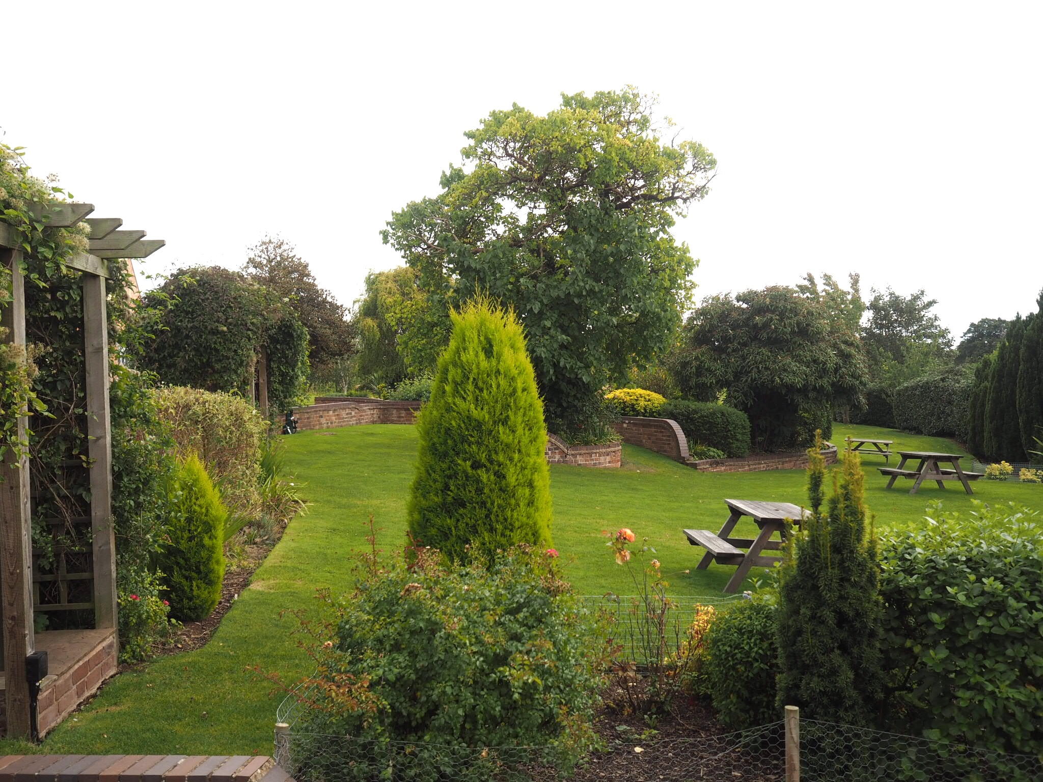 What-LizzyLoves-Bank-House-Hotel-spa-review-Worcester-grounds