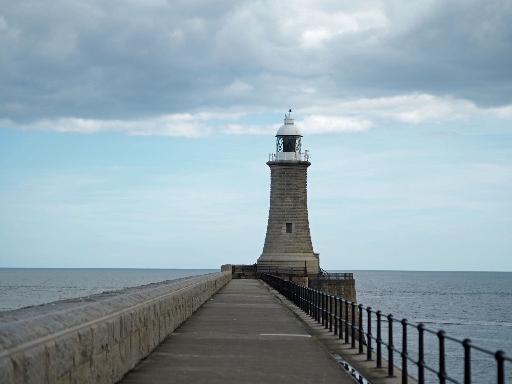 tynemouth-north-pier-lighthouse