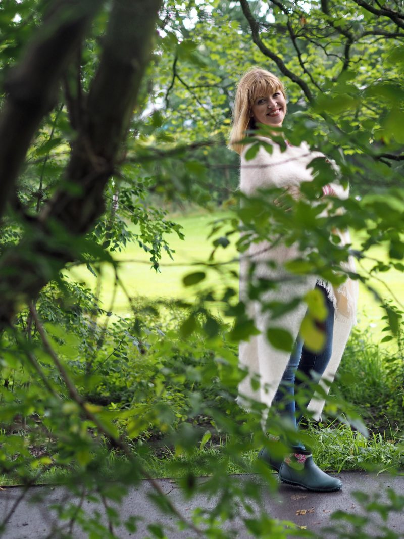 what-lizzy-loves-cream-mohair-serape-jeans-short-wellies-muck-boots-park-trees