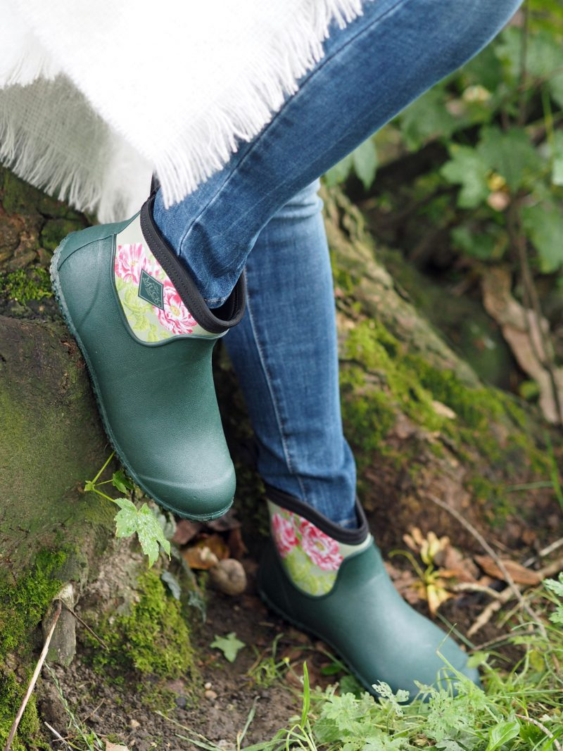 what-lizzy-loves-cream-mohair-serape-jeans-short-green-wellies-muck-boots