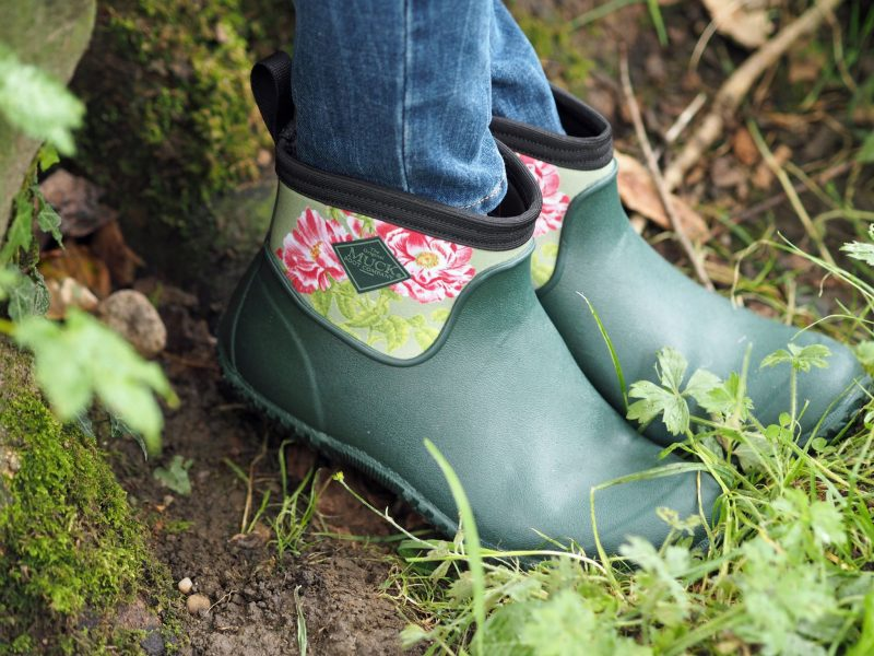 what-lizzy-loves-cream-mohair-serape-jeans-short-green-floral-wellies-muck-boots