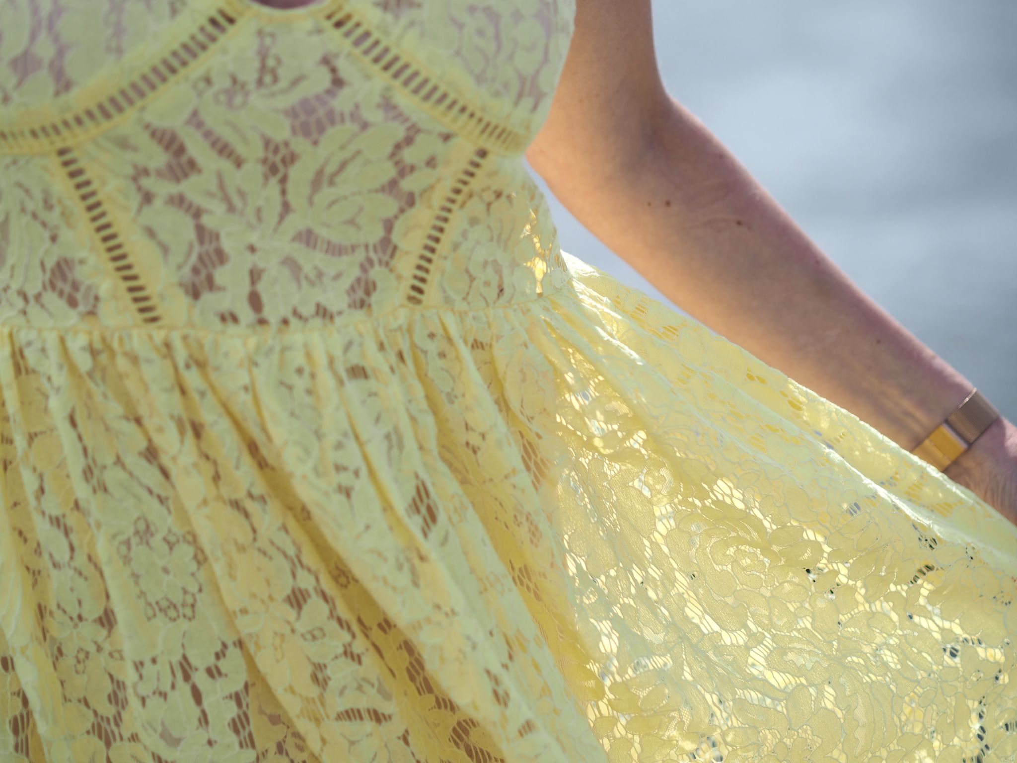 what-lizzy-loves-yellow-lace-midi-dress-yellowlacedress