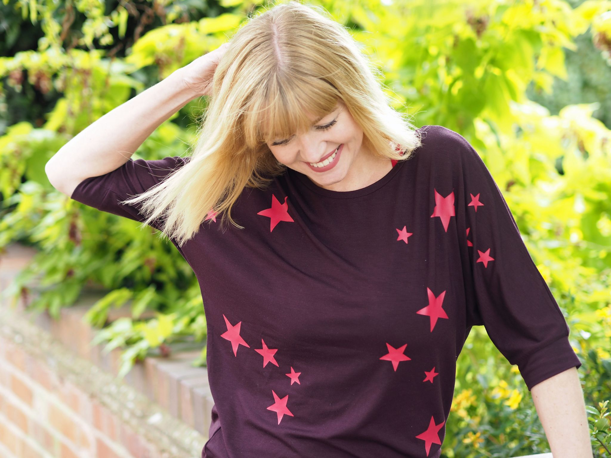 What-Lizzy-loves-bamboo-yoga-clothes-stars -top