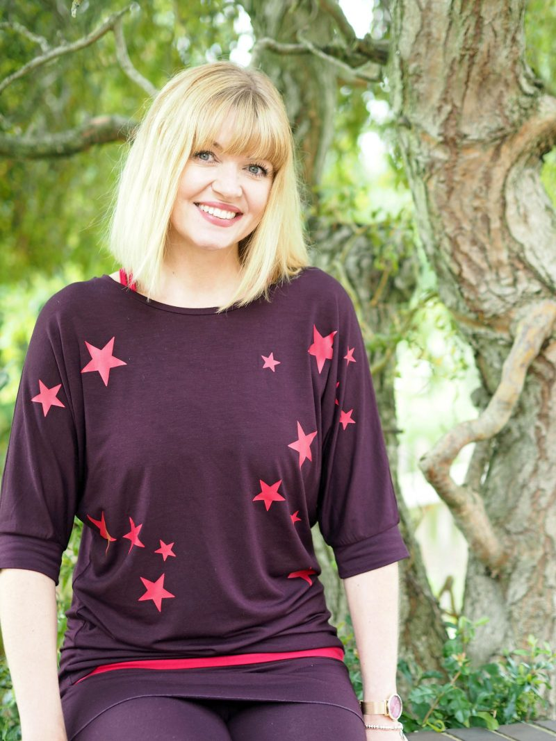 What-Lizzy-loves-bamboo-yoga-clothes-stars top