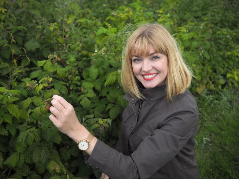 what lizzy loves foraging River cottage Muck Boots