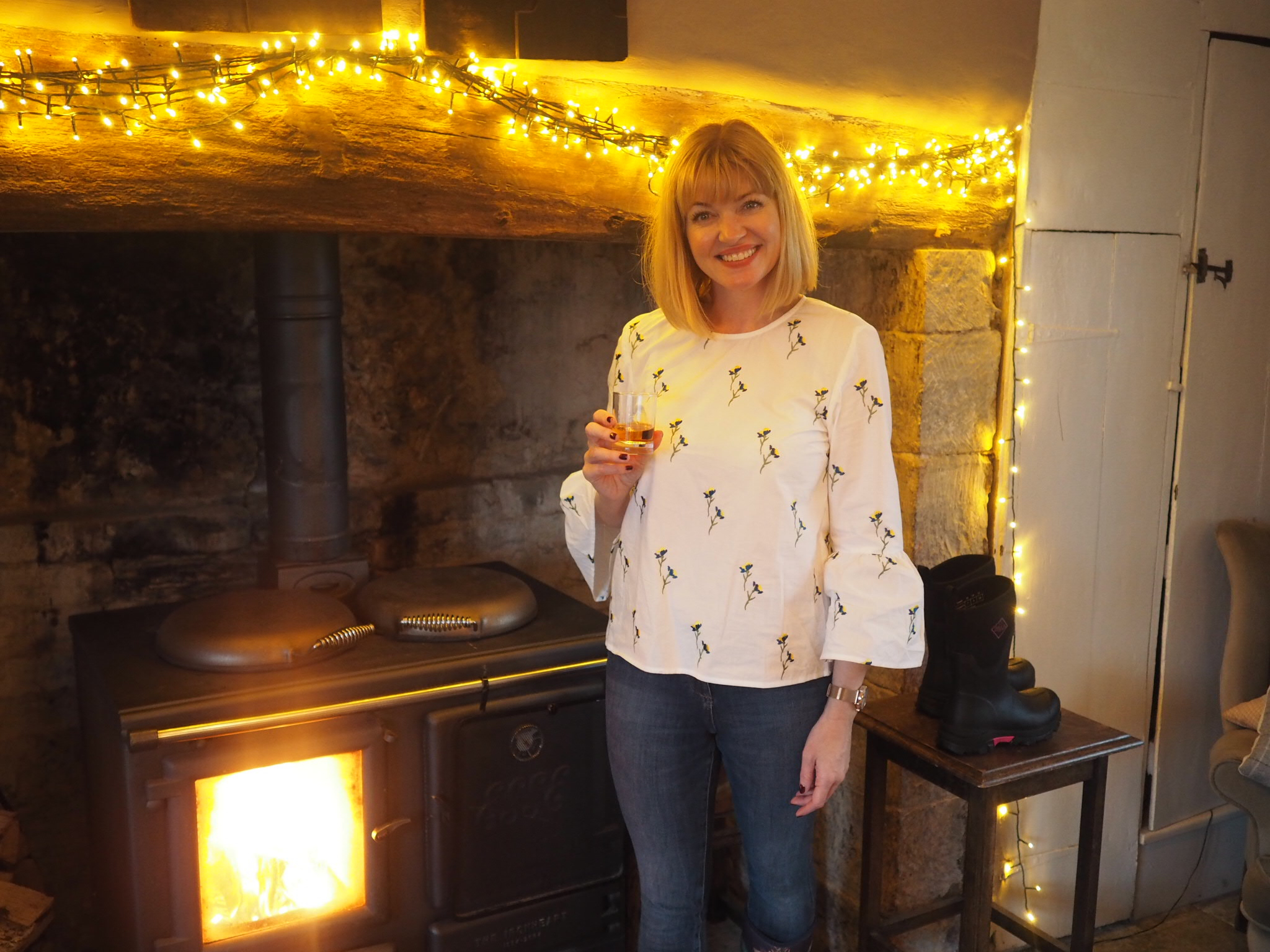 what-lizzy-loves-River-Cottage-dining-room-fire-drink