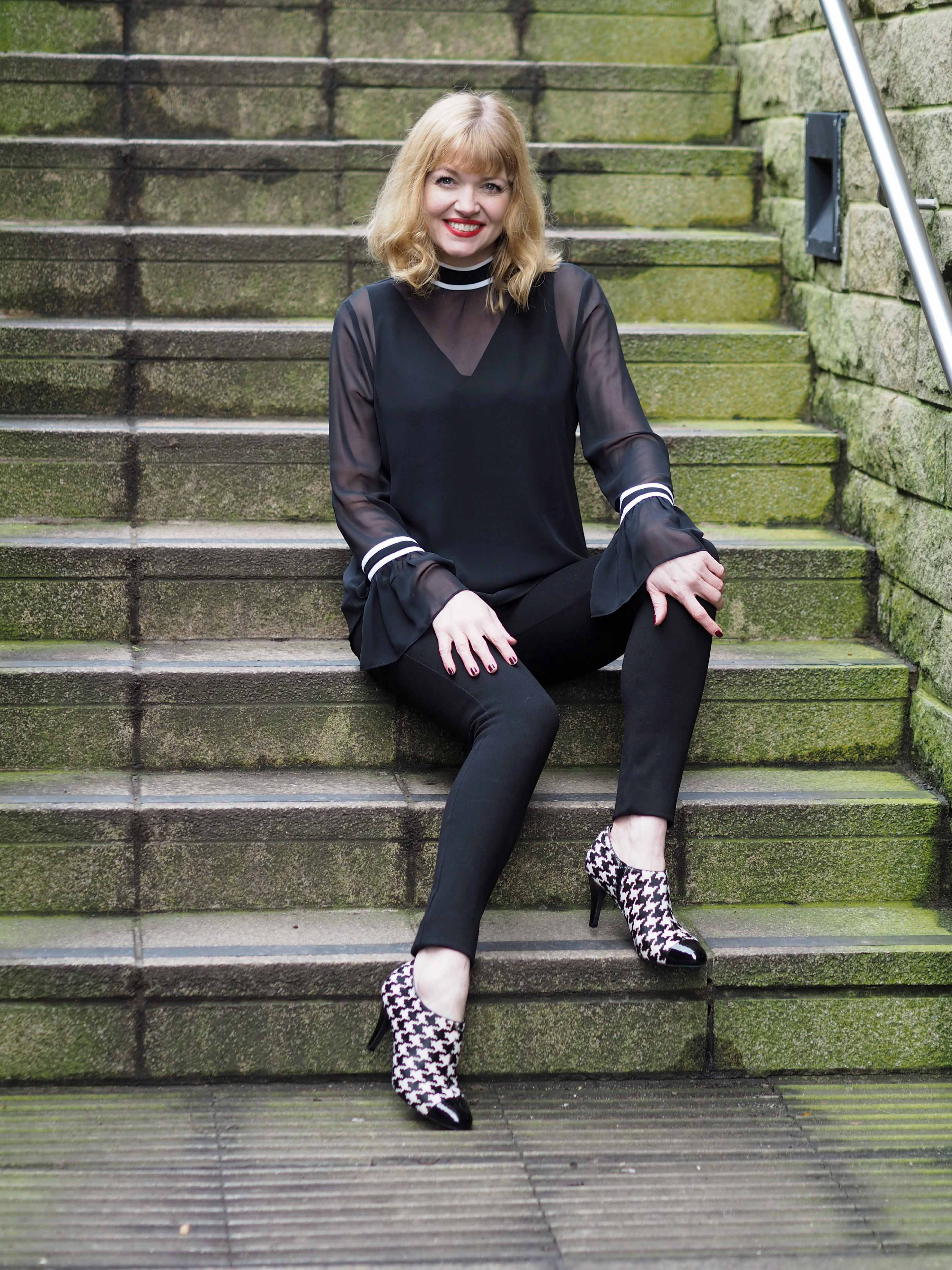 what-lizzy-loves-how-to-style-high-heeled-ankle-boots-narrow-trousers