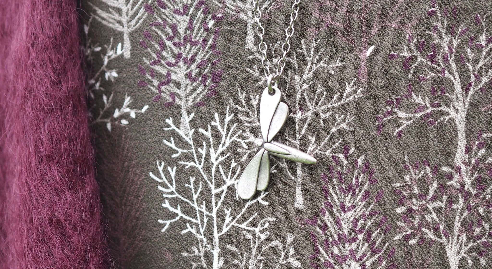 what-lizzy-loves-khaki-tunic-dress-autumn-style-leather-handbag-dragonfly-pendant