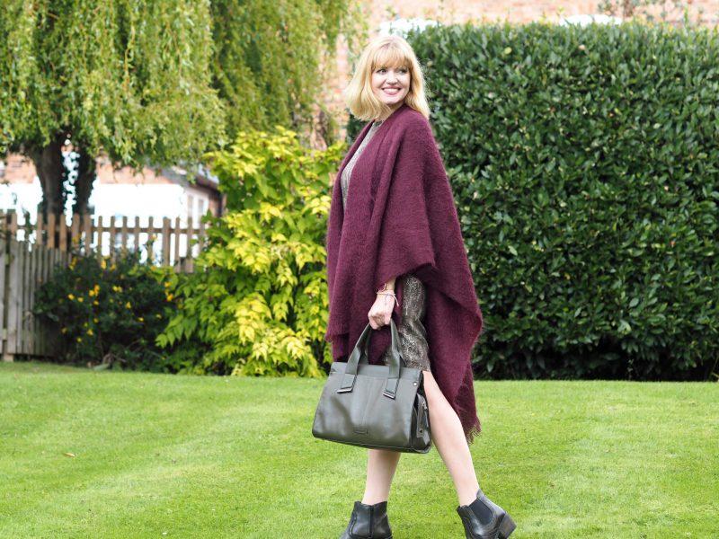 what-lizzy-loves-khaki-tunic-dress-autumn-style-burgundy-mohair-serape