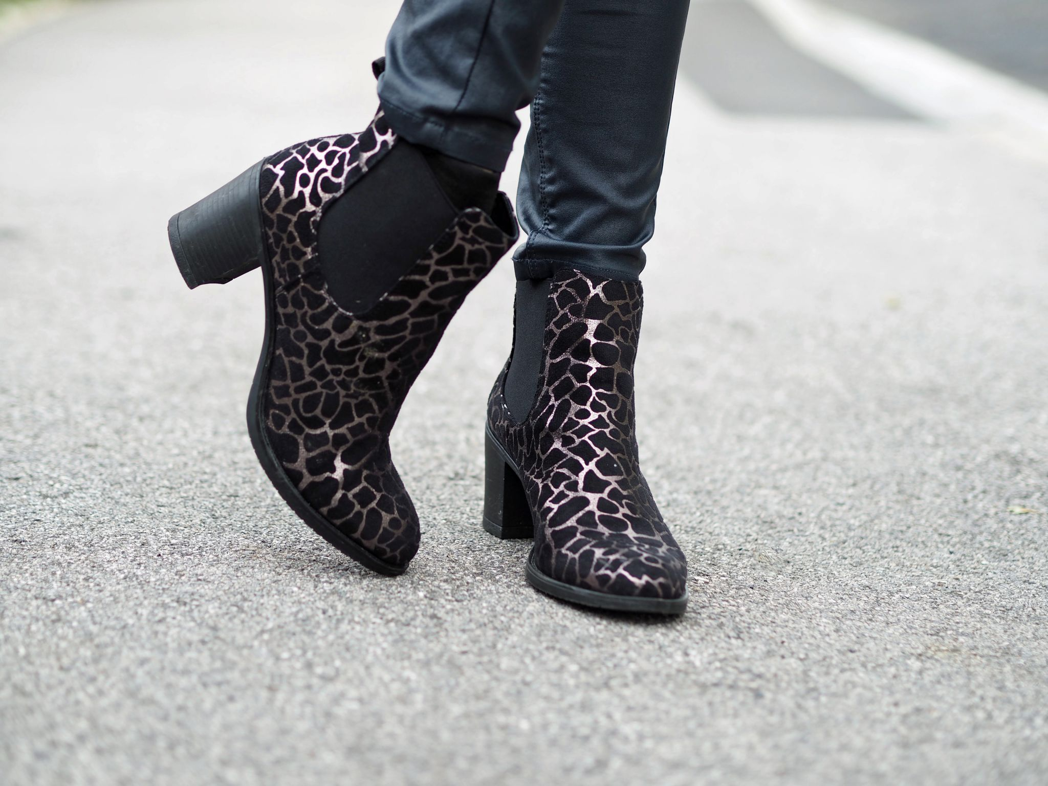 what lizzy loves metallic leopard chelsea boots