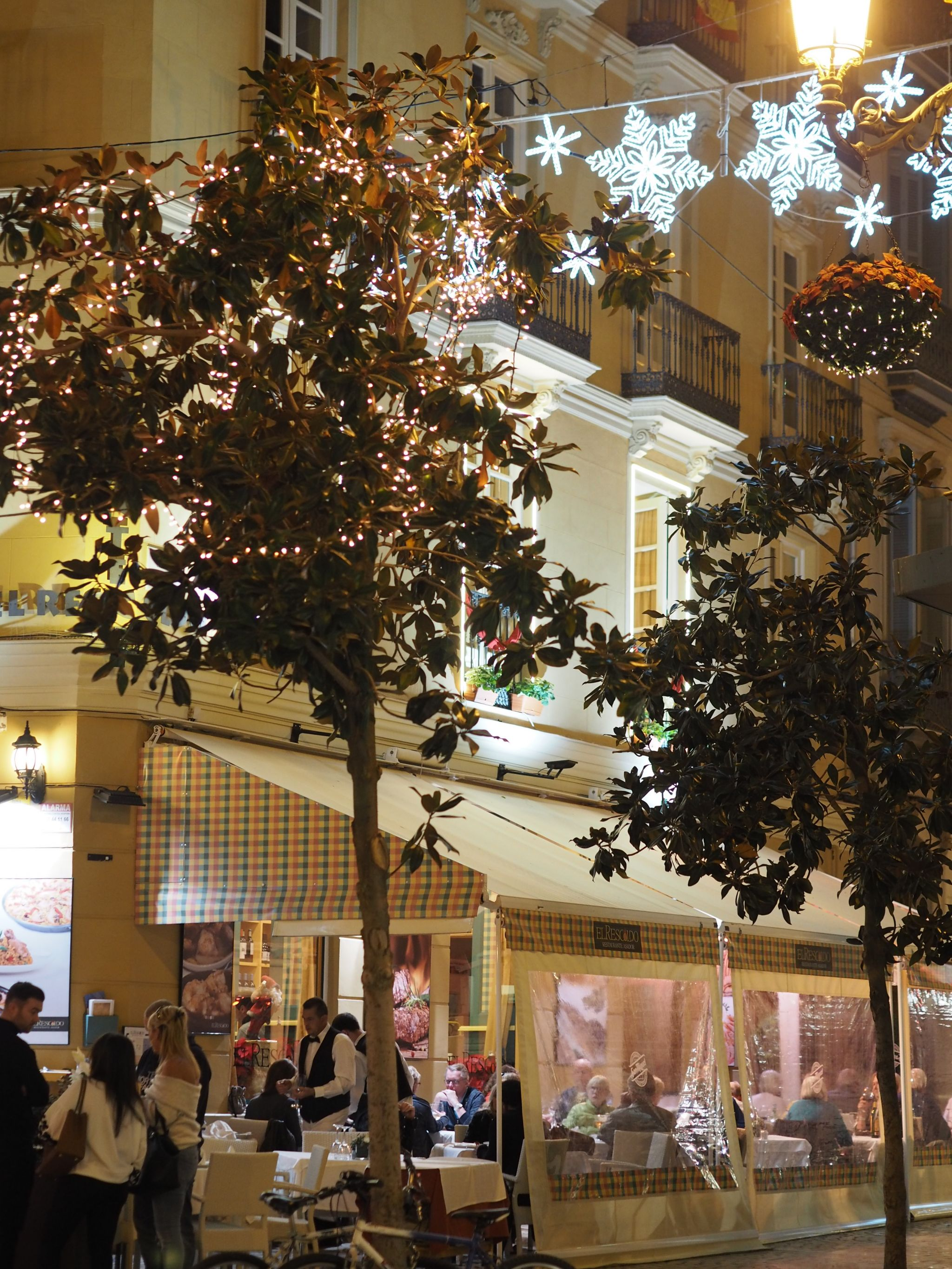What LIzzy Loves Malaga Christmas decorations