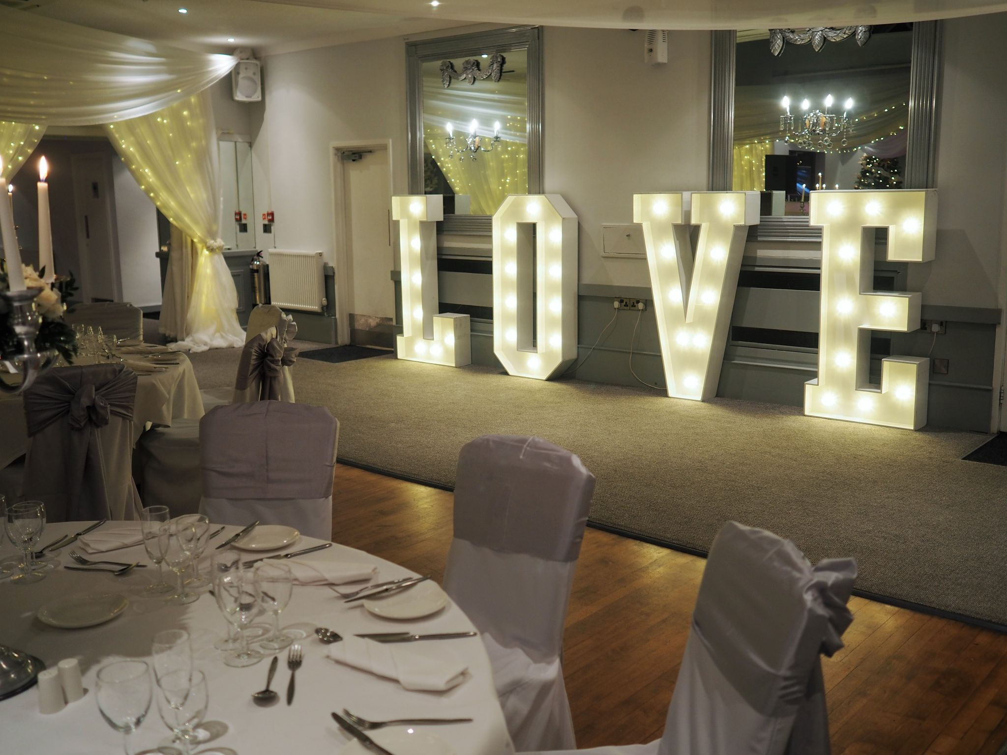 what Lizzy Loves stirk house wedding ballroom