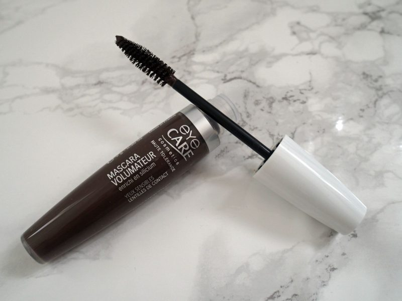 What Lizzy Loves volumising mascara for sensitive eyes