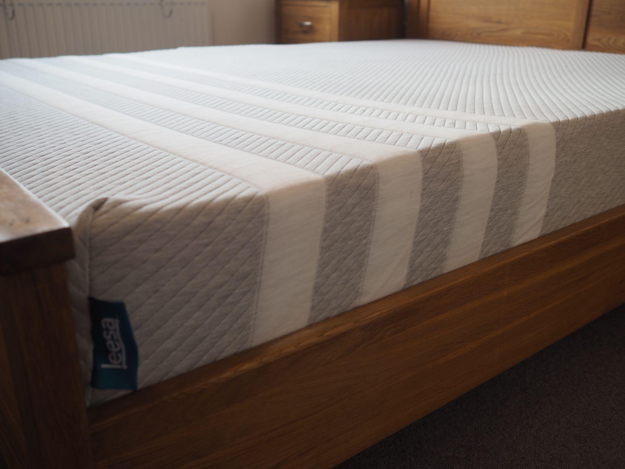 what lizzygrey striped Leesa mattress review loves