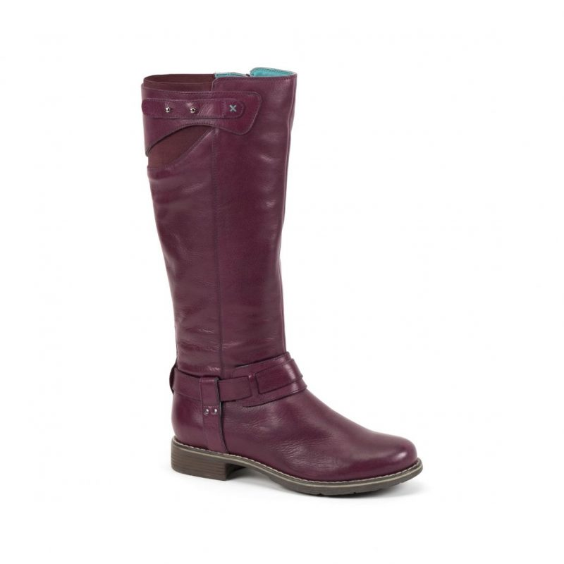 what lizzy loves purple leather boots