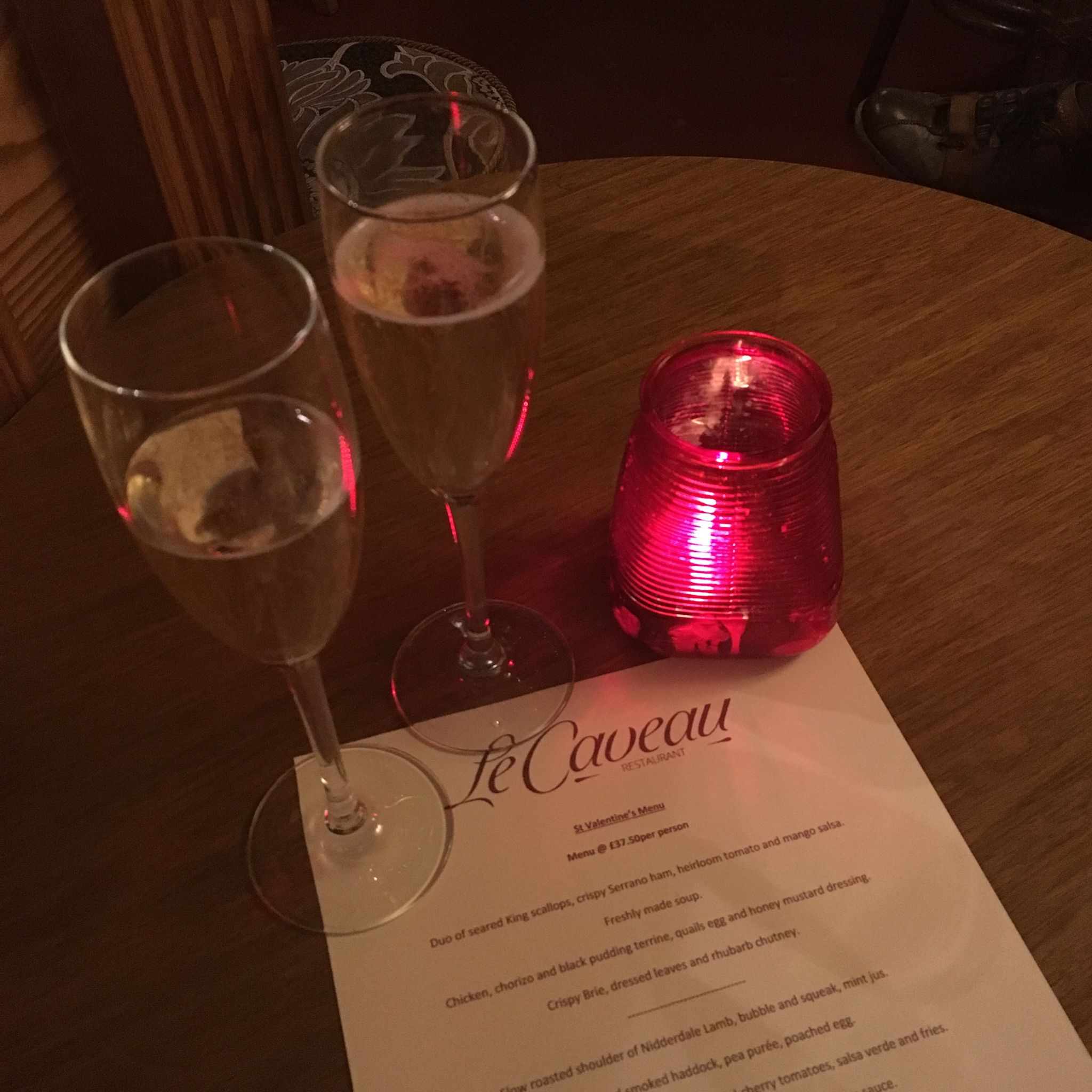 what-lizzy-loves-champagne-le-caveau
