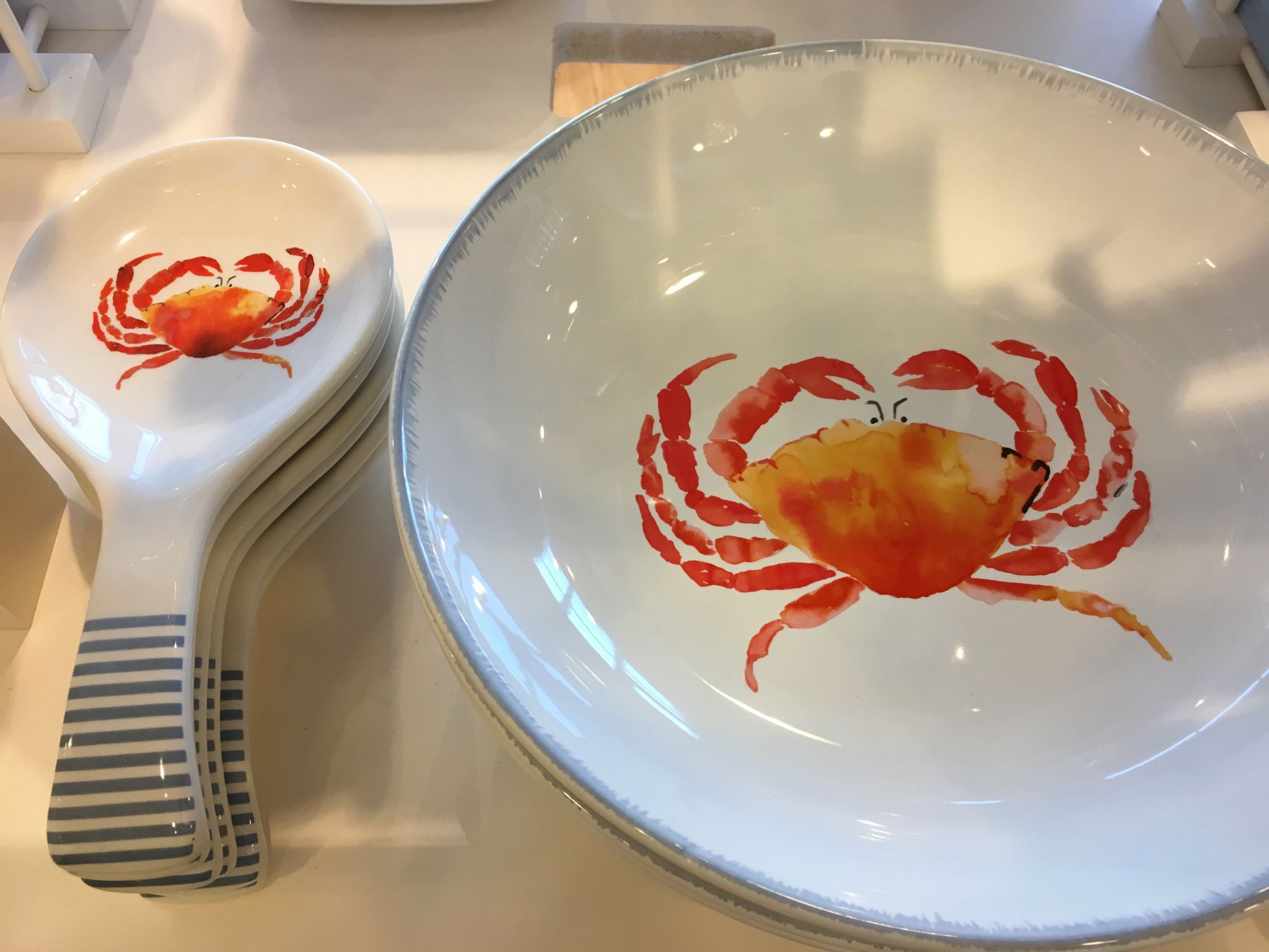 what-lizzy-loves-mothers-day-gift-guide-laura-ashley-crab-serving-dish