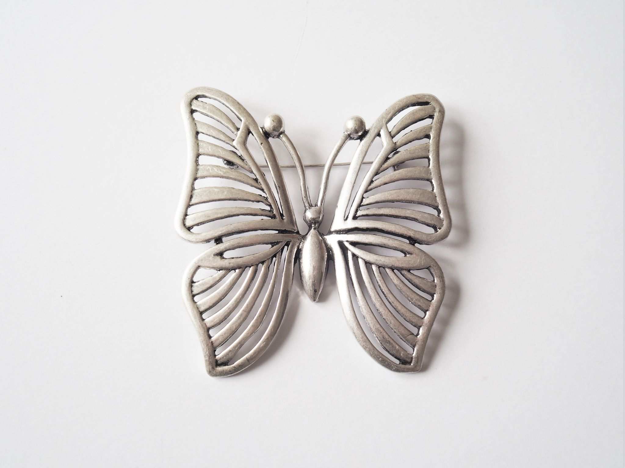 f6125ac4c4c6a Large Silver Coloured Butterfly Brooch