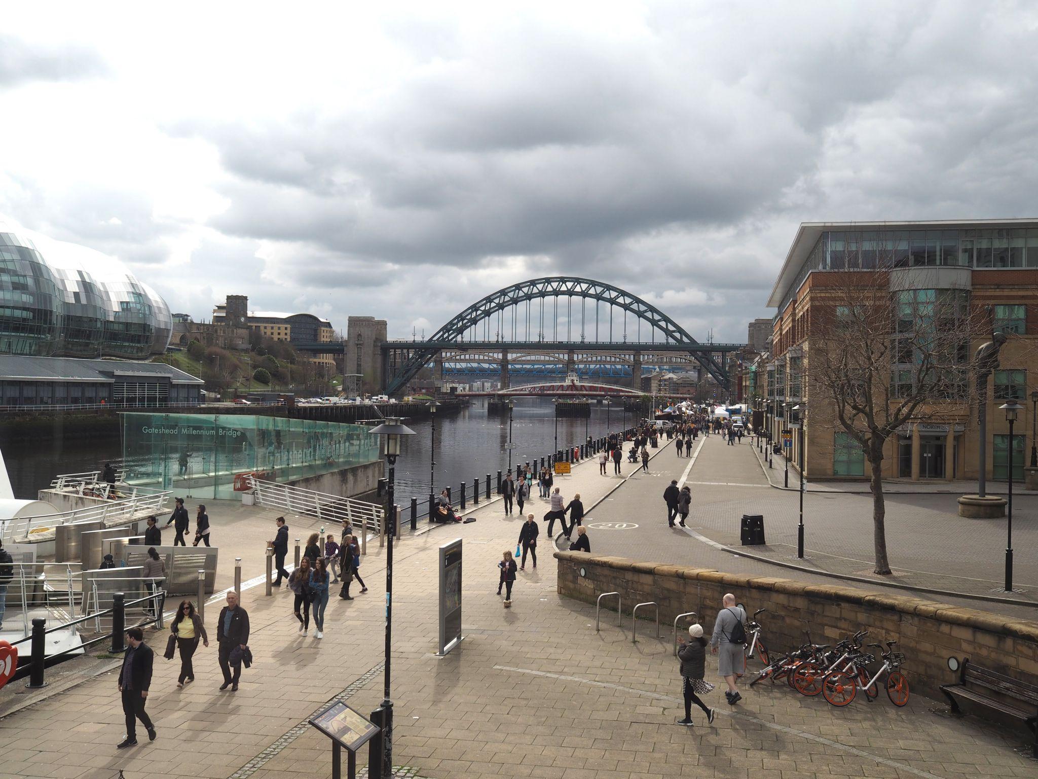 what lizzy loves milennium bridge gateshead quayside