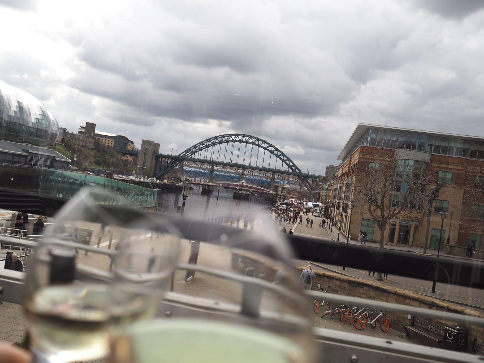 what lizzy loves milennium bridge gateshead