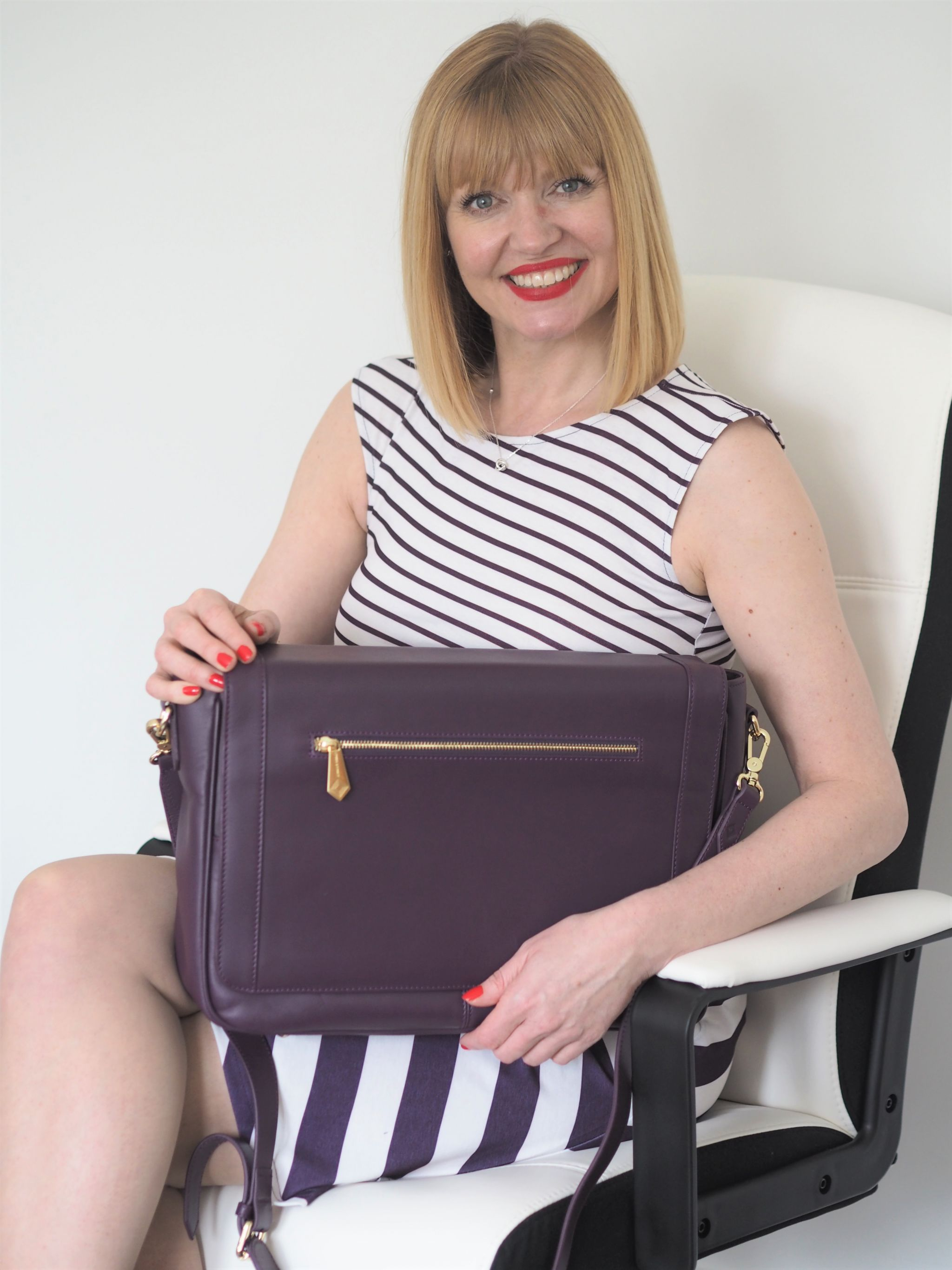 what-lizzy-loves-jennifer hamley-model-kt-laptop-work-bag-external-pockets