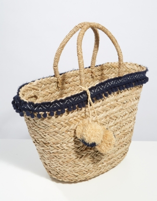 Straw pom pom trim basket