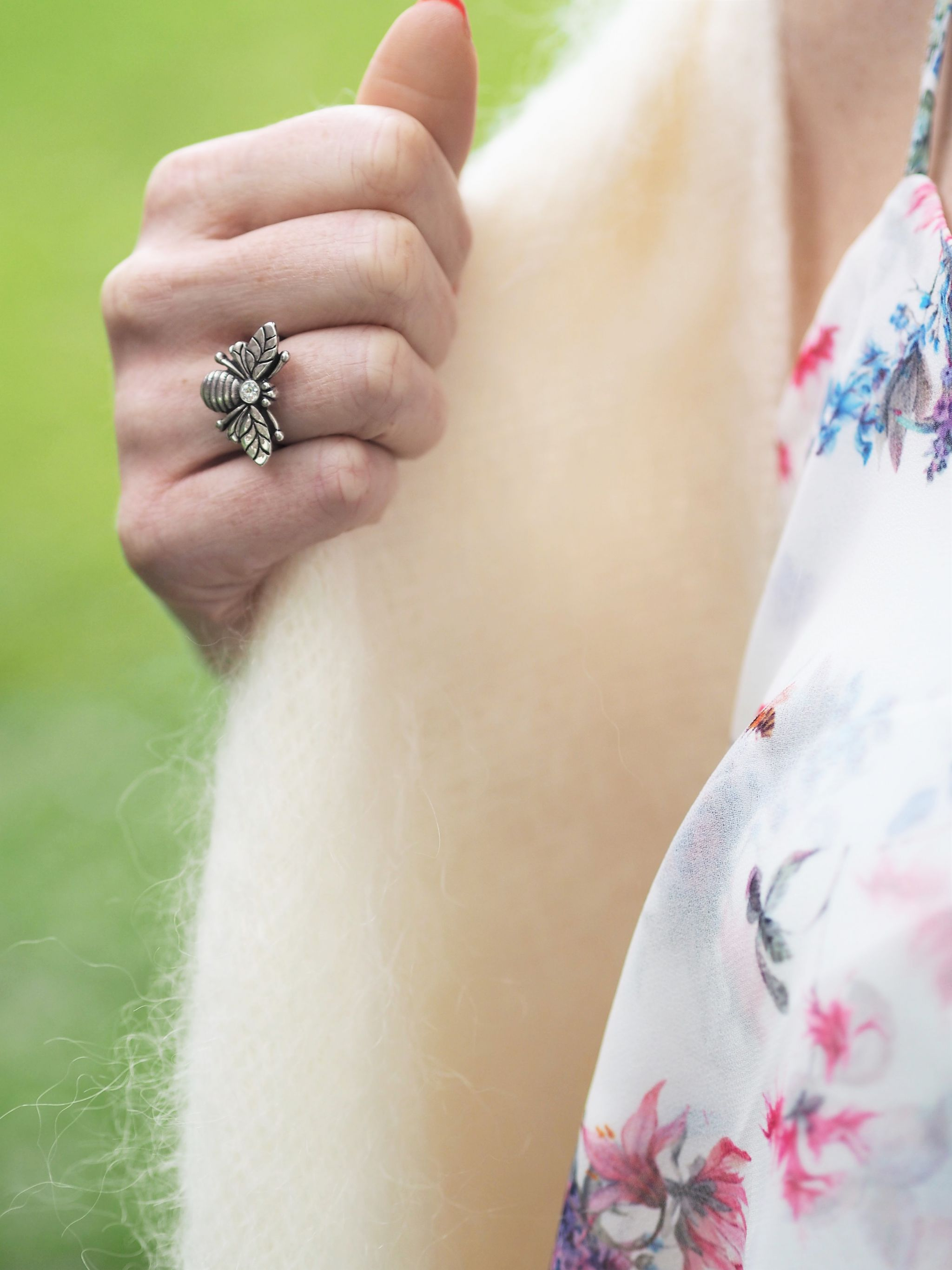 what Lizzy loves silver bee ring