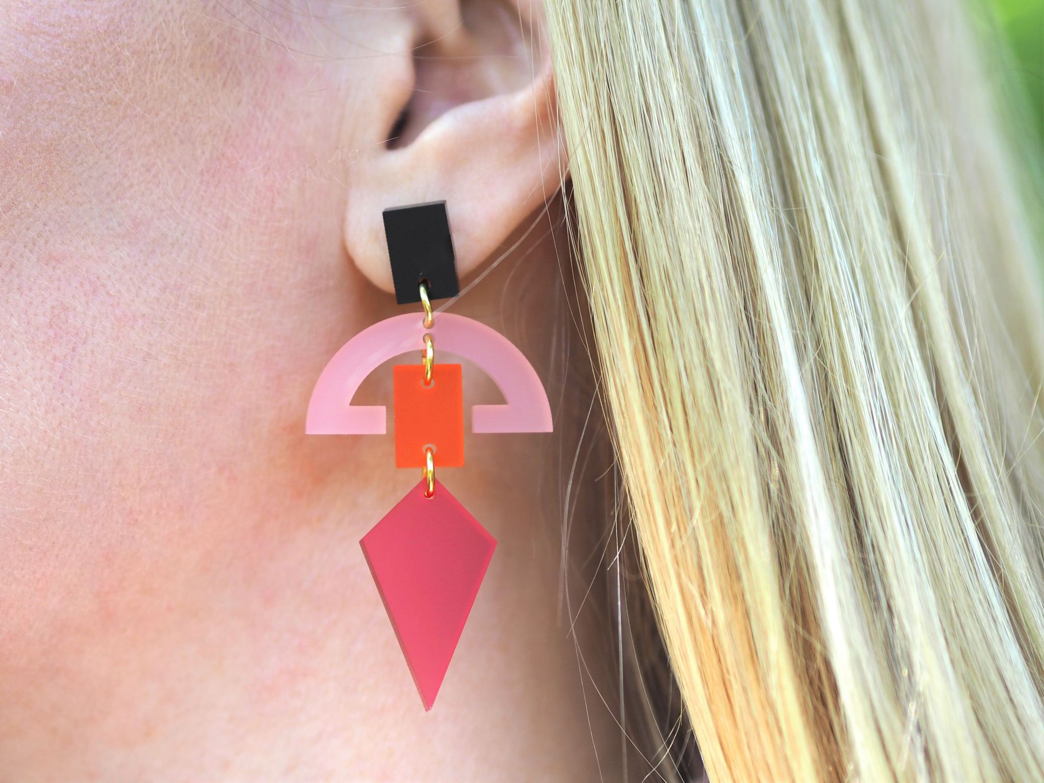 raspberry fan toolally earringd