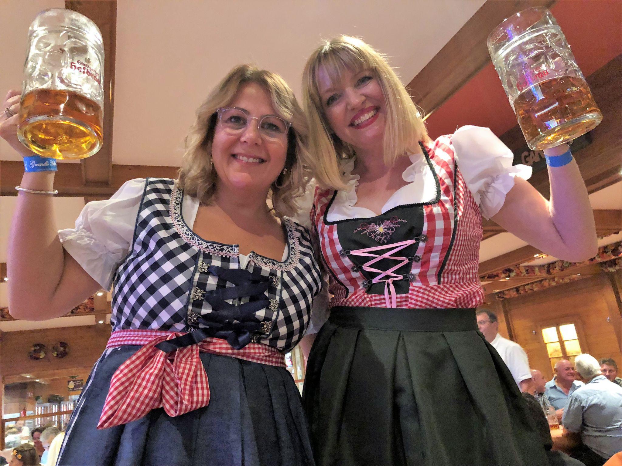 Stuttgart beer festival dancing on tables