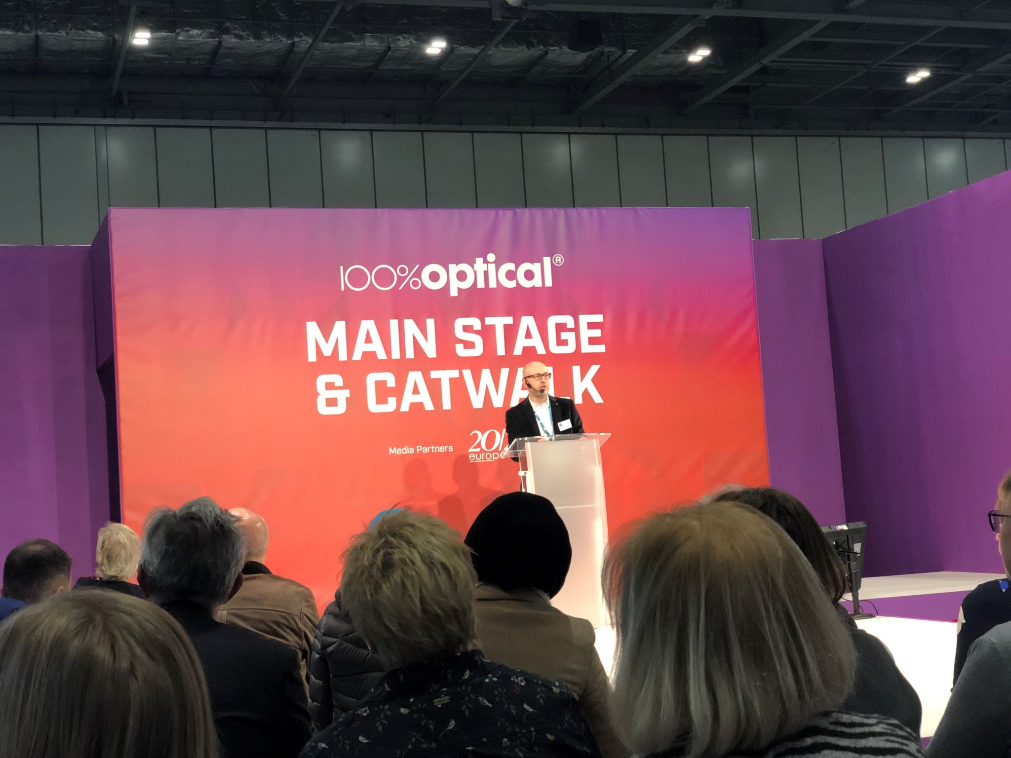 100% Optical 2019 CET talk myopia hyperopia control