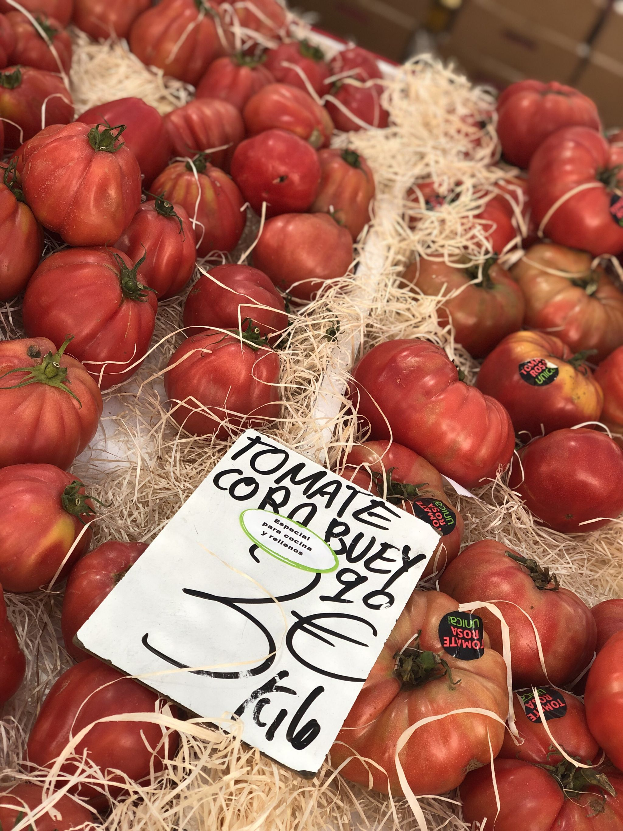tomatoes spanish Market